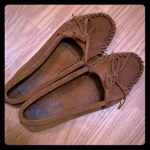 Classic Minnetonka Moccasins brown suede